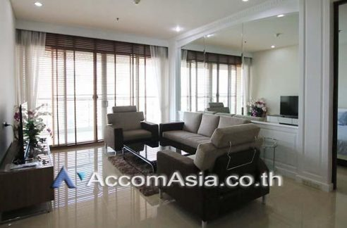 The Lakes Condominium on high floor with Lake view for rent. Close to Asoke BTS Sukhumvit MRT