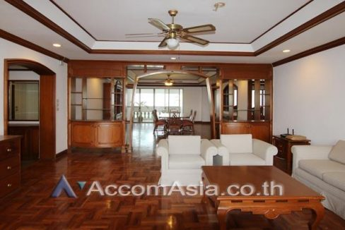 Homely atmosphere Apartment 4 Bedroom For Rent BTS Thong Lo in Sukhumvit Bangkok