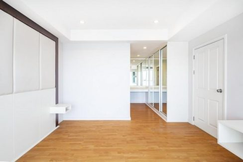 M560 Inspire Place ABAC condo for sale 2bed 2bath
