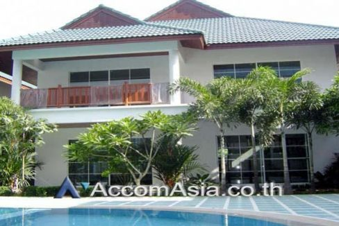 JTK House in Compound House 4 Bedroom For Rent BTS Ekkamai in Sukhumvit Bangkok