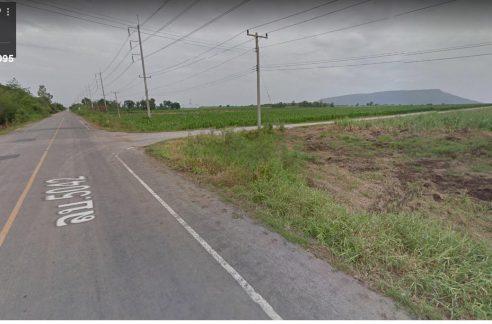 ขายที่ดิน4แยกแปลงหัวมุมติดถนนใหญ่ 5042 ลพบุรี-เขื่อนป่าสักฯ โฉนด1ล็อค 25ไร่ ยกแปลง 8 ลบ฿.