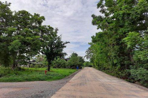 ที่ดิน 14 ไร่ (โฉนด) ติดถนน มีเพื่อนบ้าน ไฟฟ้า ประปาพร้อม