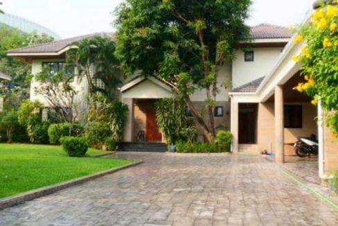 KR-233 ให้เช่าบ้านเดี่ยว พร้อมสระว่ายน้ำส่วนตัว ซอยสุขุมวิท71 บ้านสวยน่าอยู่