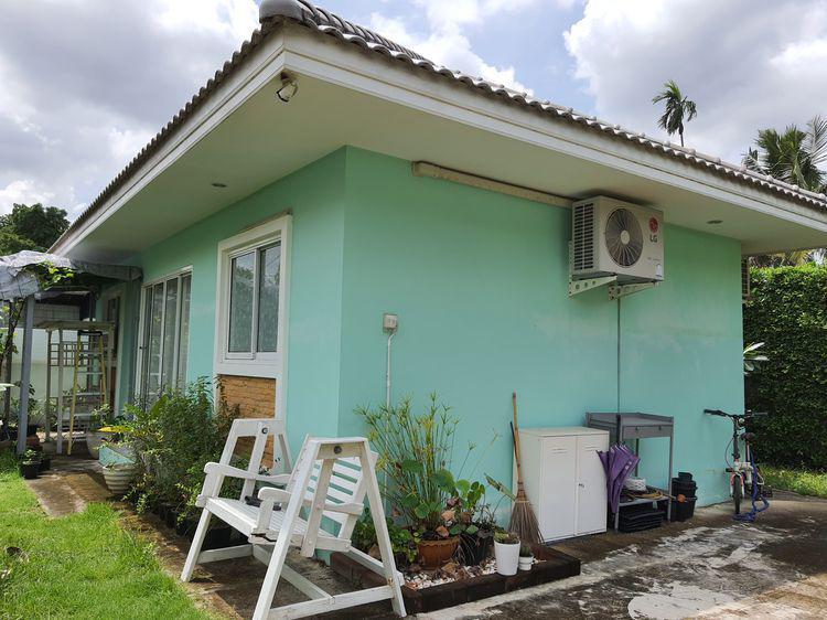 ขายบ้านเดี่ยวชั้นเดียว บนที่ดิน 68 ตรว. ในซอยเฉลิมพระเกียรติ ร.9 ซอย 53