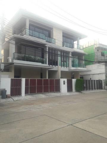 For Sale บ้านพร้อมอยู่ บ้านกลางเมืองรัชดา36 Luxury Modern Design
