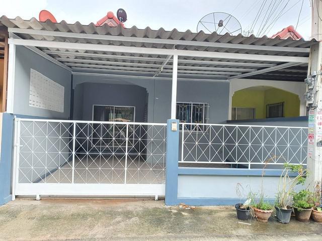ขายด่วน ทาวน์เฮ้าส์ หมู่บ้านกีรติ ใจกลางเมือง ชลบุรี