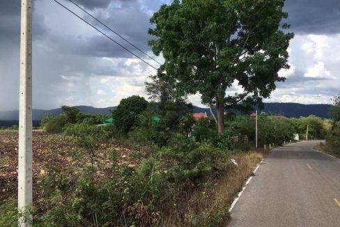 ที่ดิน 7 ไร่ ปากช่อง สำหรับปลูกบ้านเล็กๆ ทำการเกษตร ห่างตัวเมืองปากช่อง 15 กม. ห่างโรงเรียนสอยดาว 1.5 ก.ม.