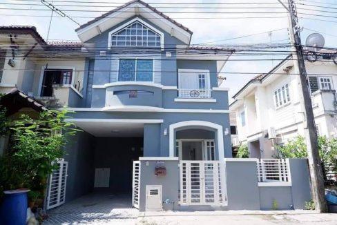 ขายบ้าน ทาวน์เฮ้าส์ หลังริมโล่งโปร่ง หน้าบ้านไม่ชนใคร 2.19 ล้าน ฟรีโอนหมู่บ้านวรางกูล คลอง3