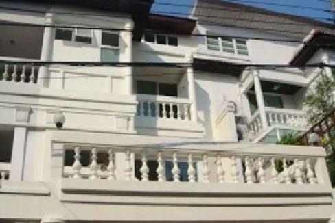 ให้เช่าทาวน์โฮม 4 ชั้น หมู่บ้านศรีกรุง พระราม 3 ใกล้โรงเบียร์-พระราม 3 บ้านสวย ตกแต่งพร้อม