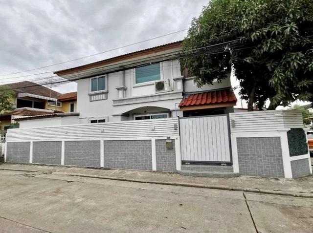 For Sale บ้านเดี่ยวหลังมุม รีโนเวทใหม่ เสรีไทย 25 ใกล้เดอะมอลล์บางกะปิ