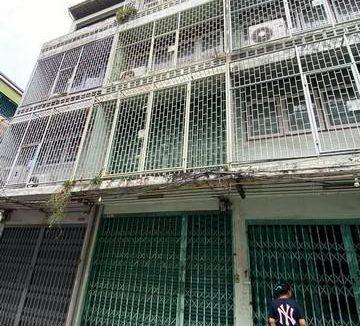 ขายอาคารพาณิชย์ 4 ชั้น ย่านพระราม 4 ใกล้อาคารมาลีนนท์
