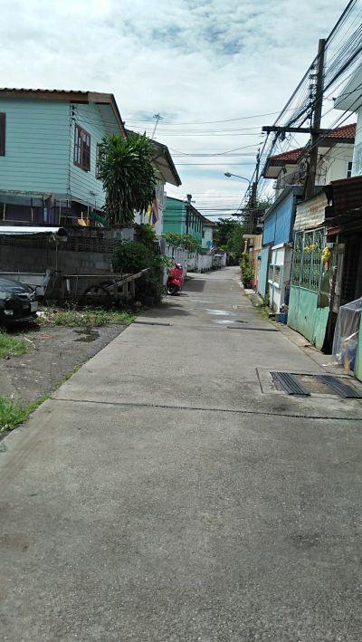 ขายที่ดิน เหมาะปลูกบ้านเล็กๆทำเลดีใกล้รถขนส่งร้อยกว่าเมตร ซอยวัดด่านสำโรง สุขุมวิท113