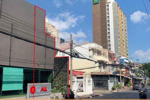 ขายอาคารพาณิชย์ 3 ชั้น 17.1 ตรว. ติดถนนหน้าซอยประชาอุทิศ 5 ห้วยขวาง ยินดีขายพร้อมผู้เช่า ราคาคุยกันได้ครับ