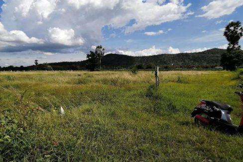 แบ่งขายที่ดิน อ.อู่ทอง วิวเขาสวย 2 ไร่ มีไฟฟ้า ประปา