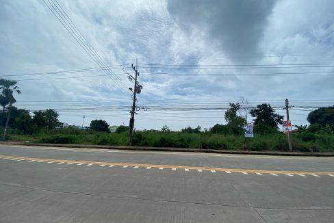 ขายที่ดิน 14 ไร่ ติดถนนในซาก-ในไร่ ใกล้ชายหาด อ.เมือง จ.ระยอง