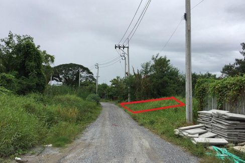 ขายที่ดินเปล่า ซ.ประเสริฐมนูกิจ 25 แยก 2 ขนาด 100 ตารางวา แปลงสวย ใกล้ถนนใหญ่เข้าซอยเพียง 500 เมตร