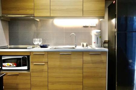 ให้เช่า คอนโด BTS นานา - อพาร์ทเม้นท์ สุขุมวิท ซอย 7 ห้องสวย 1 นอน เฟอร์ครบ Mayflower House 45 ตรม. ใกล้ ธนาคารกรุงไทย สำนักงานใหญ่